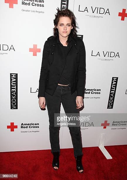Actress Kristen Stewart attends the grand opening of La Vida restaurant to benefit Haiti Relief and Development at La Vida on February 12 2010 in Los...