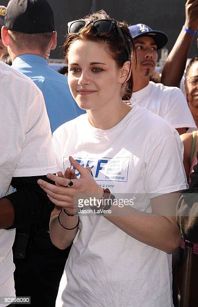 """Actress Kristen Stewart attends the Juvenile Diabetes Research Foundation's annual """"Walk To Cure Diabetes"""" at Dodger Stadium on November 8, 2009 in..."""