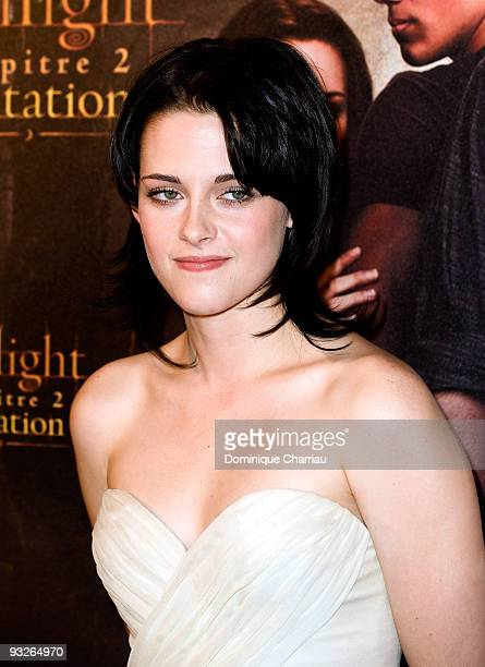 Actress Kristen Stewart attends the photocall for the film 'The Twilight Saga New Moon' at Hotel Crillon on November 10 2009 in Paris France