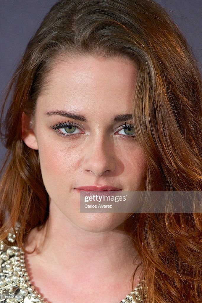Actress Kristen Stewart attends the 'The Twilight Saga: Breaking Dawn - Part 2' (La Saga Crepusculo: Amanecer Parte 2) photocall at the Villamagna Hotel on November 15, 2012 in Madrid, Spain.