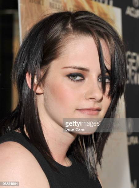 Actress Kristen Stewart attends the The Yellow Handkerchief Los Angeles premiere at Pacific Design Center on February 18 2010 in West Hollywood...