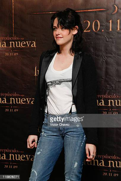 Actress Kristen Stewart attends 'The Twilight Saga New Moon' photocall at Four Seasons Hotel on November 3 2009 in Mexico City Mexico