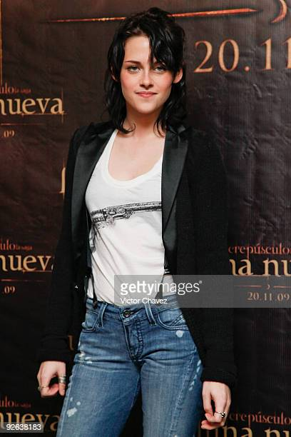Actress Kristen Stewart attends The Twilight Saga New Moon photocall at Four Seasons Hotel on November 3 2009 in Mexico City Mexico