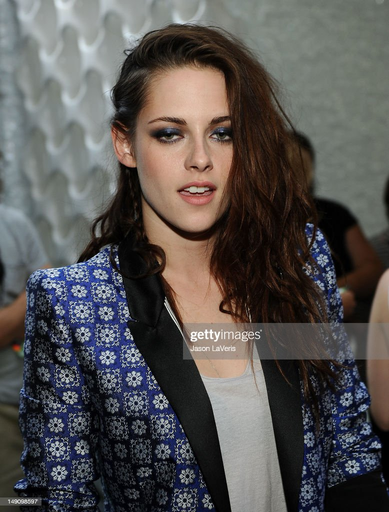 Actress Kristen Stewart poses in the green room at the 2012 Teen Choice Awards at Gibson Amphitheatre on July 22, 2012 in Universal City, California.
