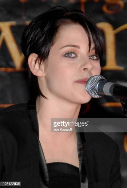 Actress Kristen Stewart speaks at 'The Twilight Saga New Moon' Cast Tour at Hot Topic on November 6 2009 in Hollywood California