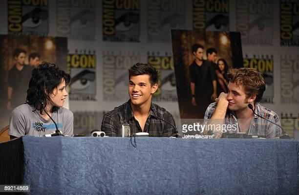 Actress Kristen Stewart Taylor Lautner and Robert Pattinson speak at The Twilight Saga New Moon press conference during ComicCon 2009 held at San...