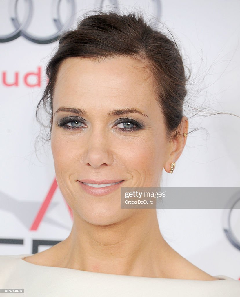 Actress Kristen Wiig arrives at AFI FEST 2013 'The Secret Life Of Walter Mitty' premiere at TCL Chinese Theatre on November 13, 2013 in Hollywood, California.