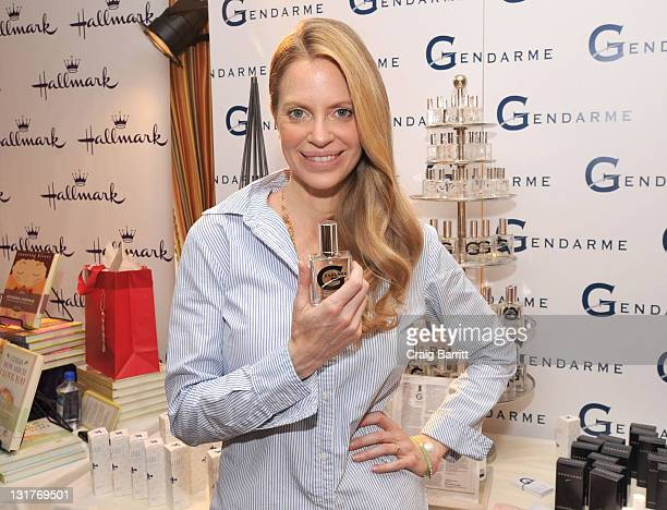 Actress Kristin Bauer attends the HBO Luxury Lounge in honor of the 68th Annual Golden Globe Awards at The Four Seasons Hotel on January 15 2011 in...
