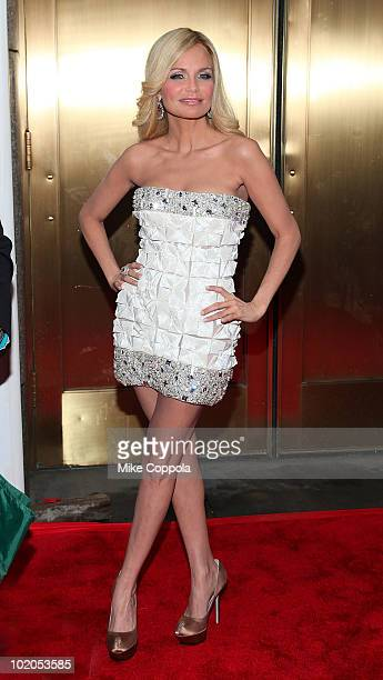 Actress Kristin Chenoweth attends the 64th Annual Tony Awards at Radio City Music Hall on June 13, 2010 in New York City.