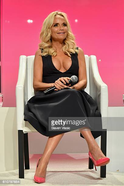 Actress Kristin Chenoweth speaks at The Girls' Lounge dinner giving visibility to women at Advertising Week 2016 at Pier 60 on September 27 2016 in...