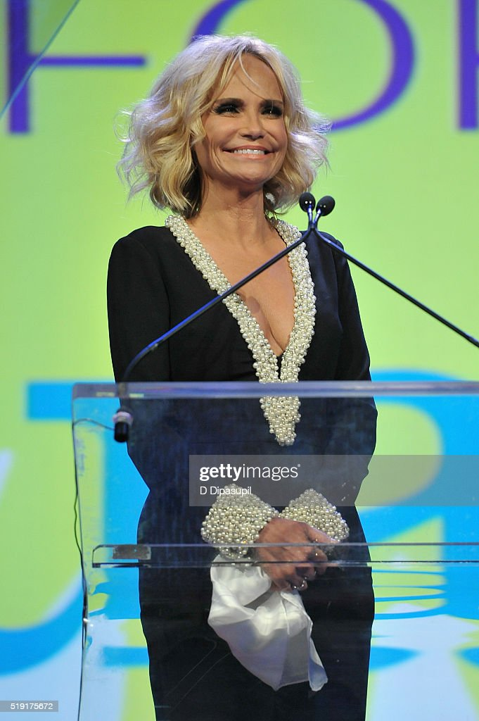 Actress Kristin Chenoweth speaks onstage at PFLAG National's eighth annual Straight for Equality awards gala at Marriot Marquis on April 4, 2016 in New York City.
