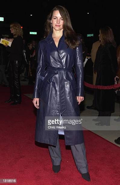 Actress Kristin Davis arrives at the premiere of USA Films'' 'Traffic' December 14 2000 at the Academy of Motion Pictures Arts and Sciences Theatre...