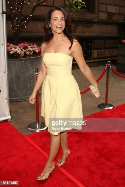 Actress Kristin Davis attends the Modern Bride's 25 Trendsetters of 2009 awards dinner at The New York Palace Hotel on May 11 2009 in New York City