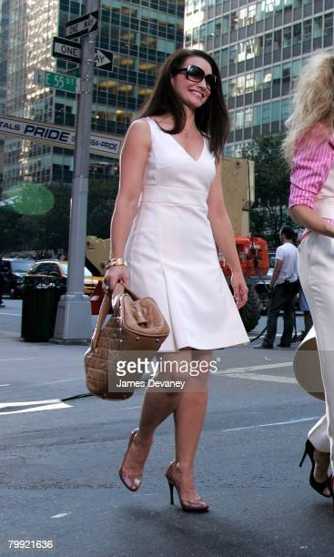 Actress Kristin Davis on the set of Sex In The City The Movie in New York City on September 21 2007