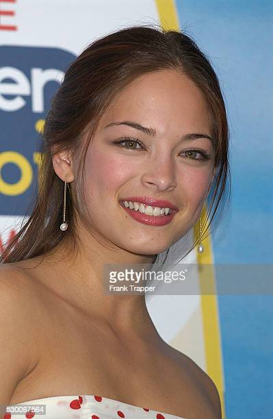 Actress Kristin Kreuk arrives at The Teen Choice Awards 2004