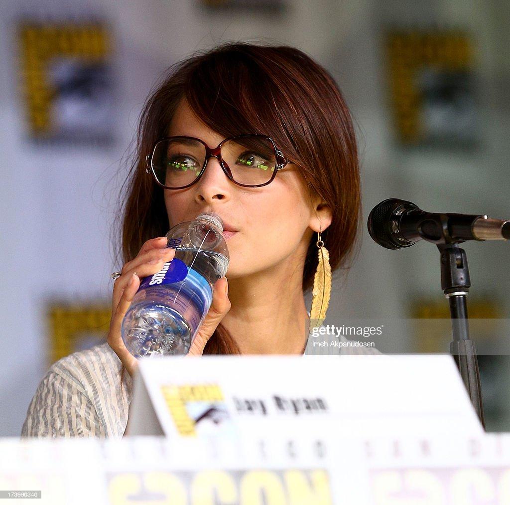 """Beauty And The Beast"" Panel - Comic-Con International 2013 : ニュース写真"