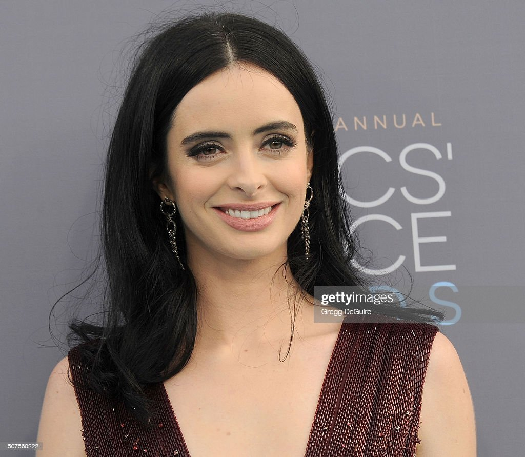 Actress Krysten Ritter arrives at the 21st Annual Critics' Choice Awards at Barker Hangar on January 17, 2016 in Santa Monica, California.