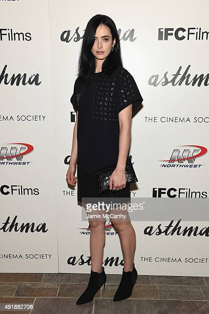 Actress Krysten Ritter attends a screening of IFC Films' 'Asthma' hosted by The Cinema Society and Northwest at Roxy Hotel on October 8 2015 in New...