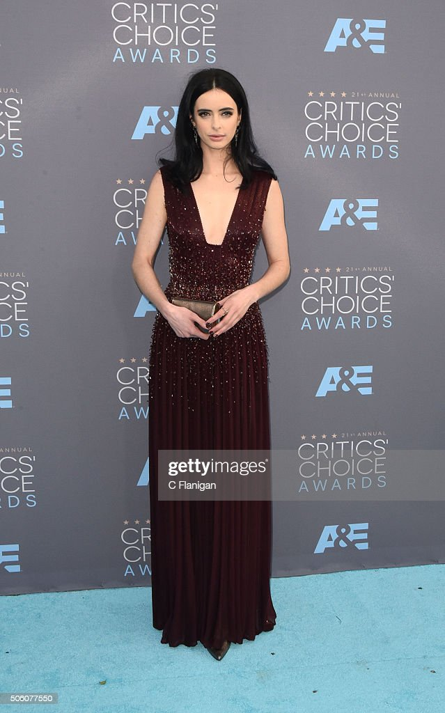 Actress Krysten Ritter attends the 21st Annual Critics' Choice Awards at Barker Hangar on January 17, 2016 in Santa Monica, California.