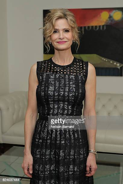 Actress Kyra Sedgwick attends 'A Conversation On Trailblazers Women In The Workplace with Ariana Huffington Sophie Watts' hosted by Antonia Romeo...