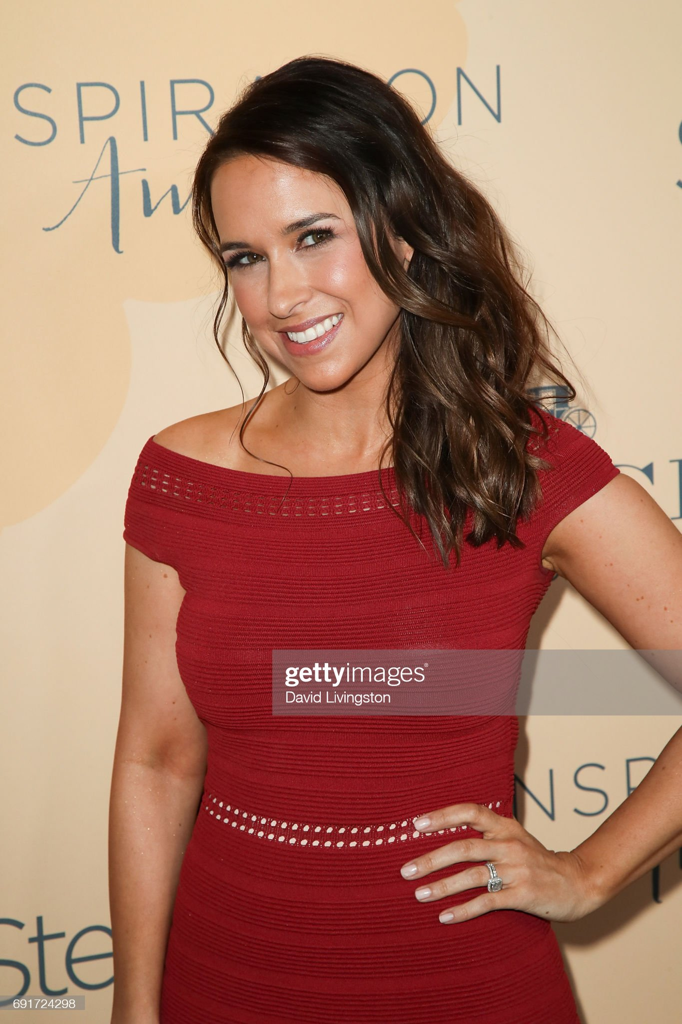 DEBATE sobre guapura de famosos y famosas - Página 3 Actress-lacey-chabert-attends-the-14th-annual-inspiration-awards-at-picture-id691724298?s=2048x2048