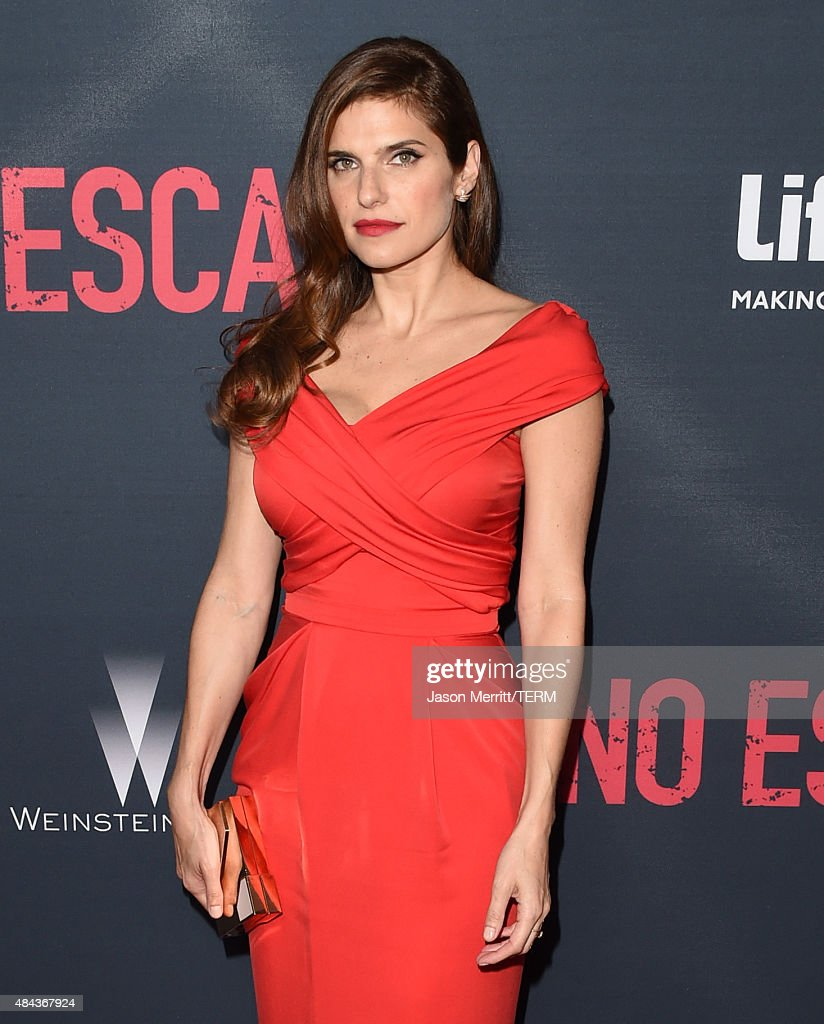 Actress Lake Bell attends the premiere of the Weinstein Company's 'No Escape' at Regal Cinemas L.A. Live on August 17, 2015 in Los Angeles, California.