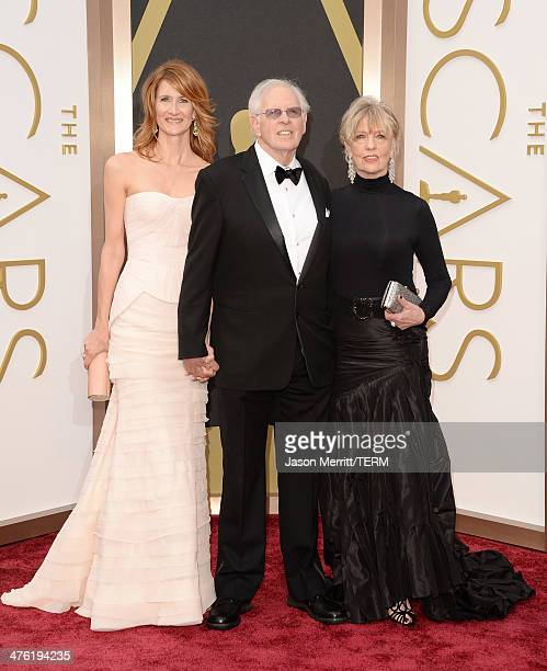 Actress Laura Dern actor Bruce Dern and Andrea Beckett attends the Oscars held at Hollywood Highland Center on March 2 2014 in Hollywood California