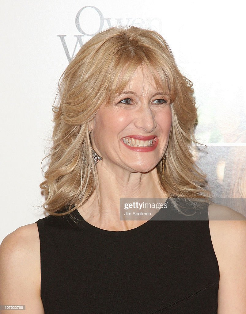 Actress Laura Dern attends the World Premiere of 'Little Fockers' at the Ziegfeld Theatre on December 15, 2010 in New York City.
