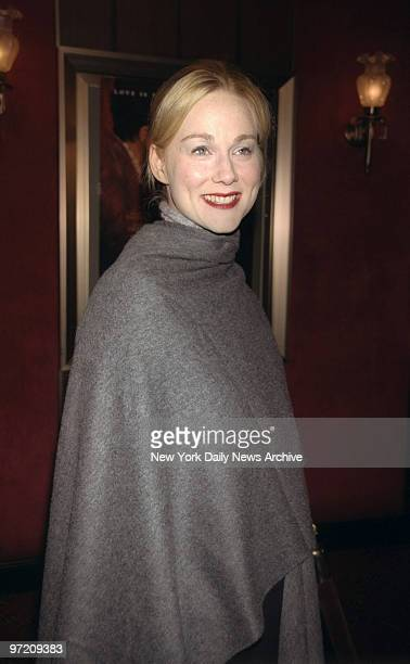 Actress Laura Linney arrives for the premiere of the movie Shakespeare in Love at the Ziegfeld Theater