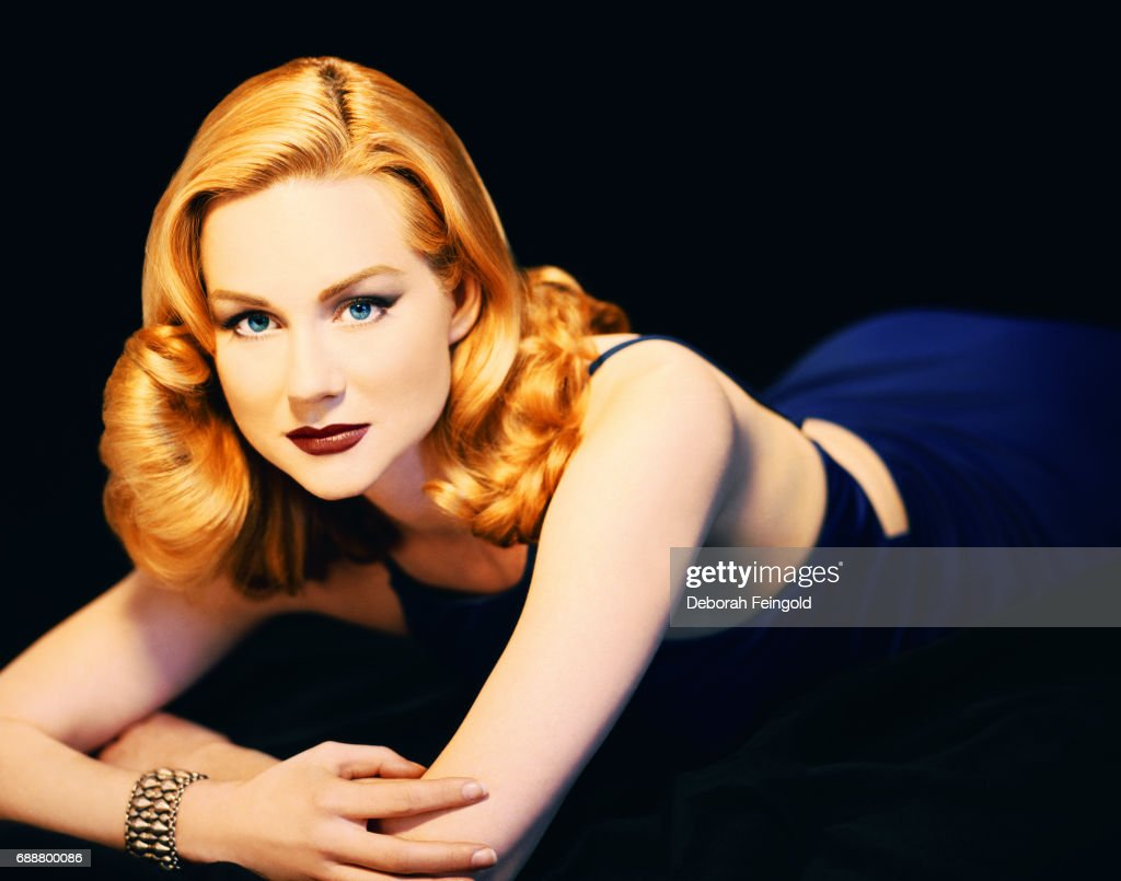 Actress Laura Linney poses for a portrait in 1998 in New York City, New York.