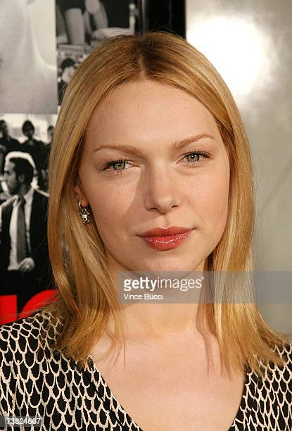 Actress Laura Prepon attends the premiere of the HBO series Entourage Season 3 at The Cinerama Dome on April 5 2007 in Hollywood California