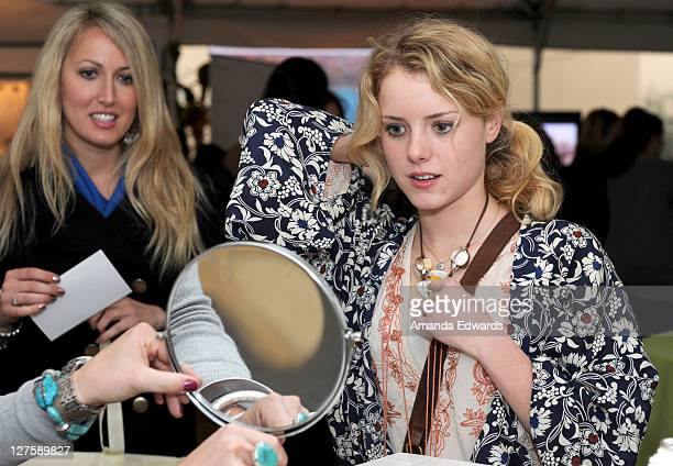 Actress Laura Slade Wiggins attends Silpada at Kari Feinstein's Academy Awards Style Lounge at Montage Beverly Hills on February 25 2011 in Beverly...