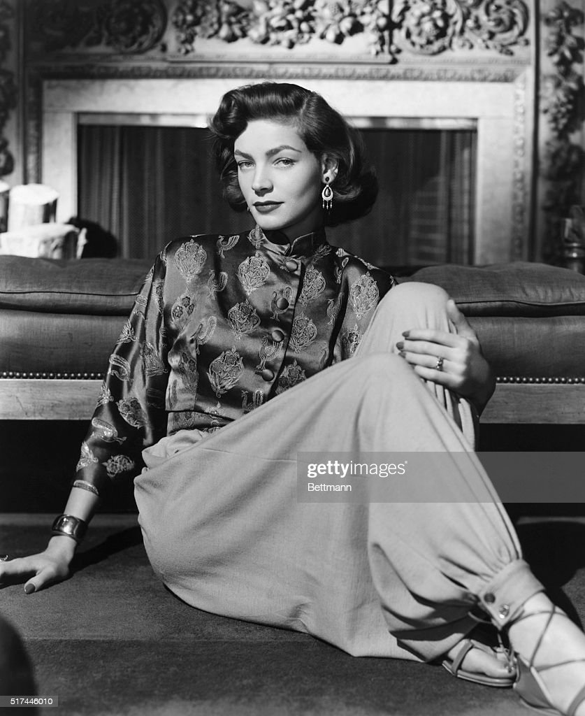 Lauren Bacall Seated : News Photo
