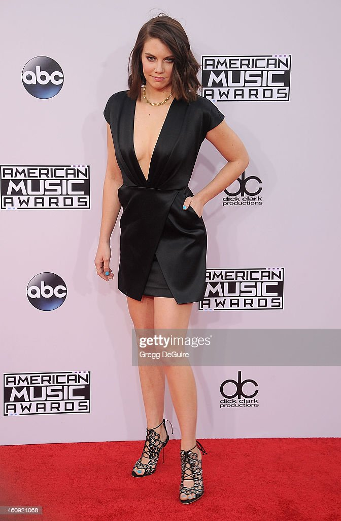 Actress Lauren Cohan arrives at the 2014 American Music Awards at Nokia Theatre L.A. Live on November 23, 2014 in Los Angeles, California.