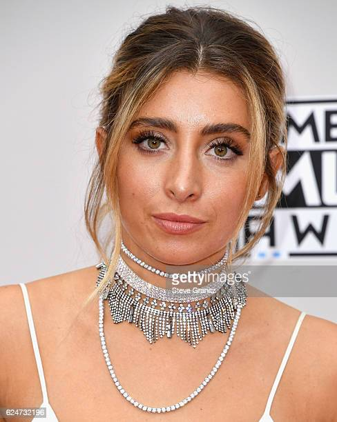 Actress Lauren Elizabeth attends the 2016 American Music Awards at Microsoft Theater on November 20, 2016 in Los Angeles, California.
