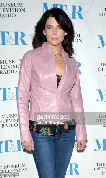 Actress Lauren Graham attends the Museum of Television Radio Presents Gilmore Girls 100th Episode Celebration at The Museum of Television Radio on...