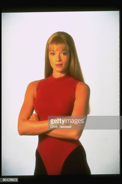 Actress Lauren Holly as Linda Emery, wife of martial arts legend Bruce Lee, in publicity still fr. Motion picture Dragon: The Bruce Lee Story.