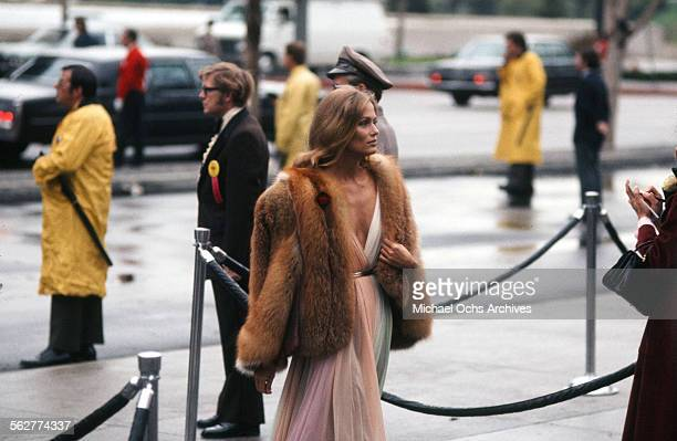 Actress Lauren Hutton arrives to the 47th Academy Awards at Dorothy Chandler Pavilion in Los AngelesCalifornia
