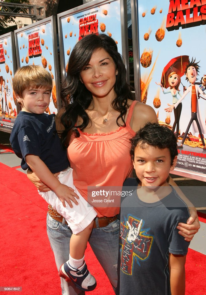"""""""Cloudy With A Chance Of Meatballs"""" Los Angeles Premiere - Red Carpet : News Photo"""