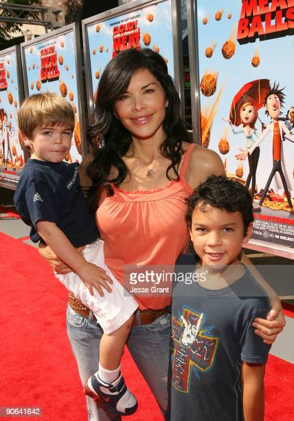 Actress Lauren Sanchez arrives on the red carpet at the Los Angeles premiere of Cloudy With A Chance Of Meatballs at the Mann Village Theatre on...