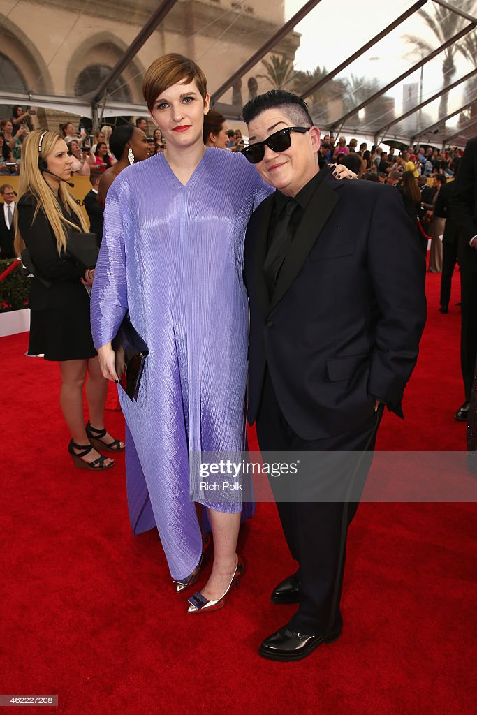 Actress Lea DeLaria (R) and Chelsea Fairless attend TNT's 21st Annual Screen Actors Guild Awards at The Shrine Auditorium on January 25, 2015 in Los Angeles, California. 25184_020