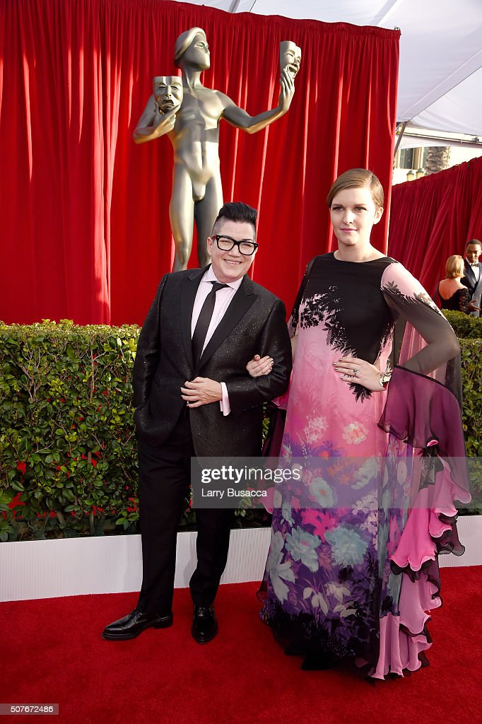 Actress Lea DeLaria (L) and wife Chelsea Fairless attend The 22nd Annual Screen Actors Guild Awards at The Shrine Auditorium on January 30, 2016 in Los Angeles, California. 25650_014