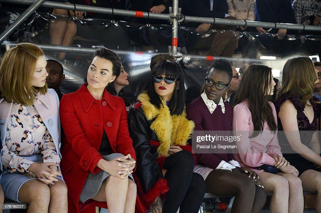 Miu Miu : Arrivals  - Paris Fashion Week Womenswear Fall/Winter 2014-2015 : News Photo