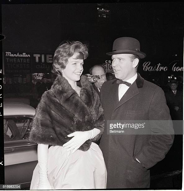 Actress Lee Remick and her husband producer Bill Colleran at the premiere of 'Exodus'