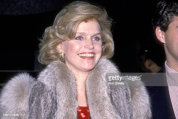 Actress Lee Remick attends The Kennedy Center Honors Annual Gala on December 3 1988 at The Kennedy Center in Washington DC