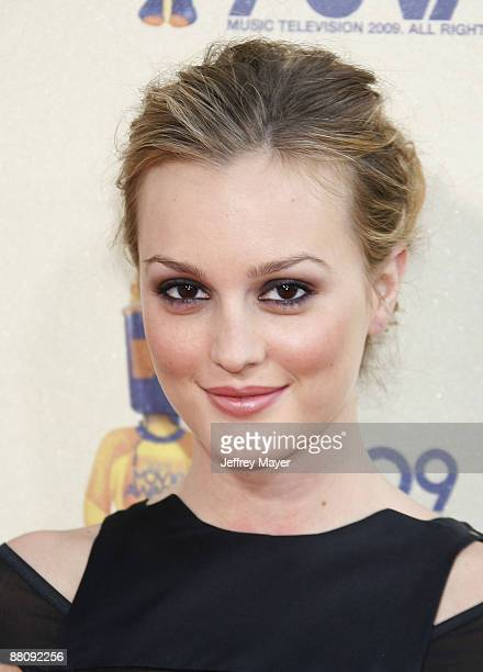 Actress Leighton Meester arrives at the 2009 MTV Movie Awards at the Gibson Amphitheatre on May 31 2009 in Universal City California