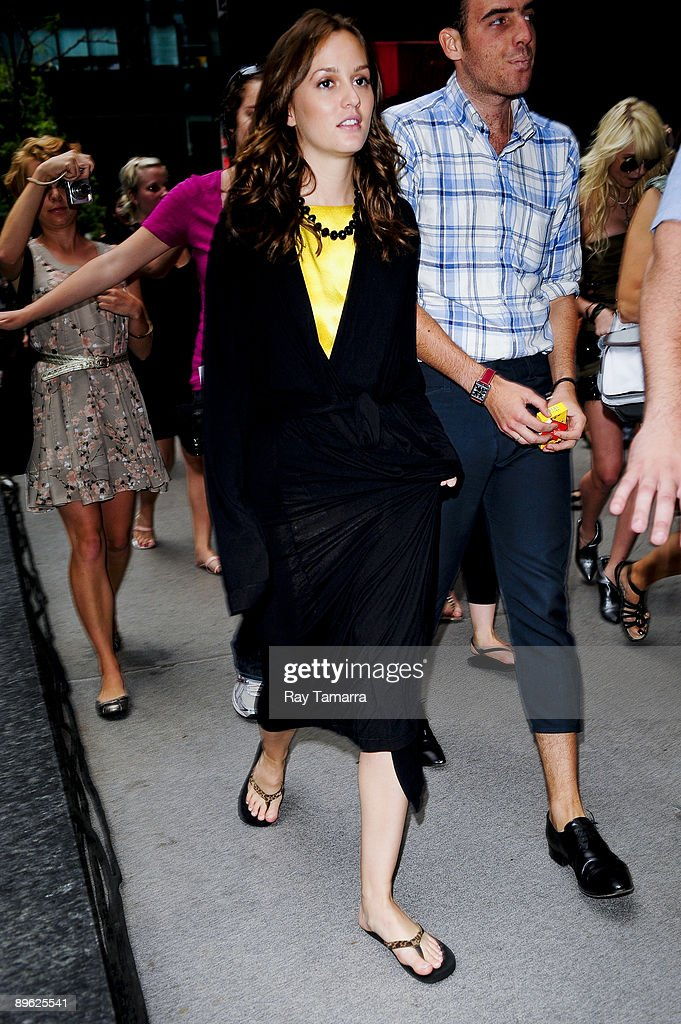 Actress Leighton Meester walks to the 'Gossip Girl' movie set at the Ziegfeld Theater on August 05, 2009 in New York City.