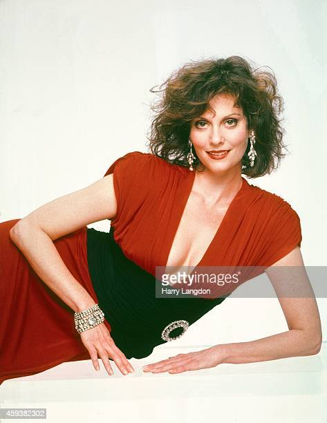 Actress Leslie Ann Warren poses for a portrait in 1985 in Los Angeles California