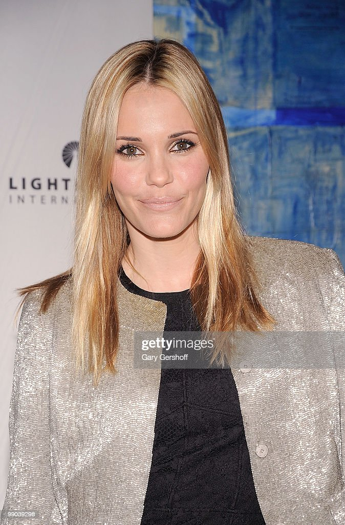 Actress Leslie Bibb attends Lighthouse International's A Posh Affair gala at The Oak Room on May 11, 2010 in New York City.