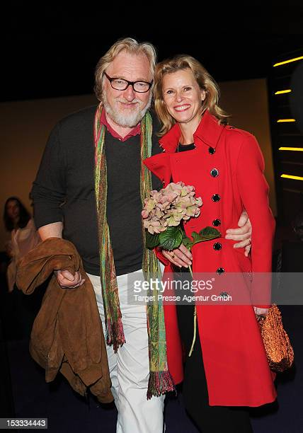 Actress Leslie Malton and her husband Felix von Manteuffel attend the premiere of the movie '3 Zimmer Kueche Bad' at 'Kulturbrauerei' on October 3...